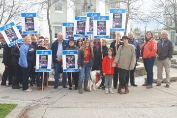 OPSEU President Warren Thomas with a group of OPSEU members