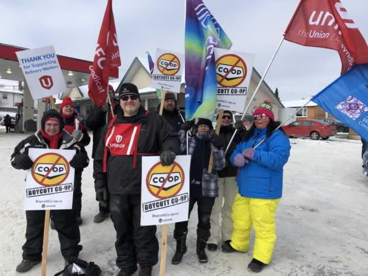 Kenora Coop rally. Members holding signs 'Boycott co-op'